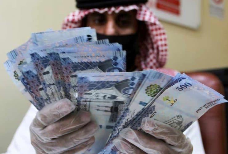 Riyadh Police In Action; Confiscates Riyals Being Smuggled